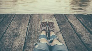 Legs and sneakers of anxious child in New Jersey needing therapy for anxious children in Scotch Plains, NJ. You can also get help with online therapy in New Jersey here.